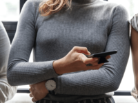 Source: Pexels; Copyright: rawpixel.com; URL: https://www.pexels.com/photo/woman-holding-her-waist-and-touching-her-phone-1449084/; License: Licensed by JMIR.